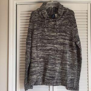 Divided sweater - sz L